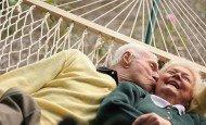 yaşlı-mutlu-çift